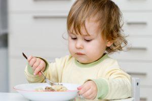 Как накормить капризного малыша?