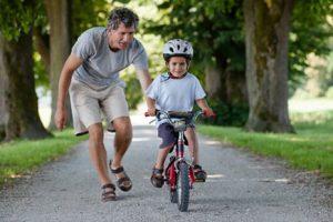 Двухколесный велосипед. Как научить ребенка кататься на двухколесном велосипеде?
