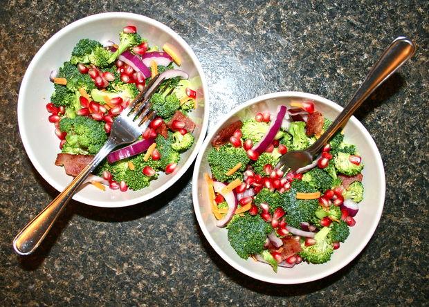 Капуста брокколи. Салат из брокколи с беконом