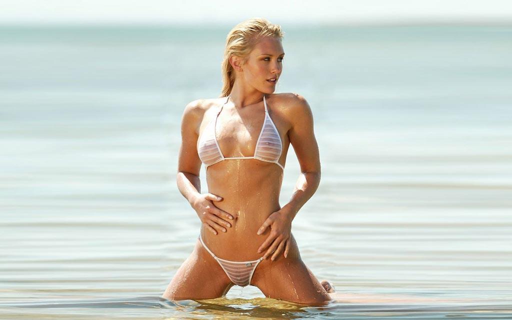 Сексуальные купальники. Как стать самой сексуальной на пляже?