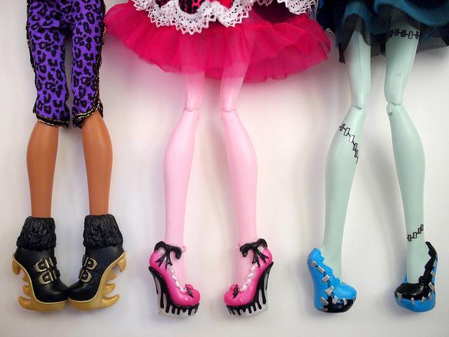 Как сделать кукле монстер хай туфли