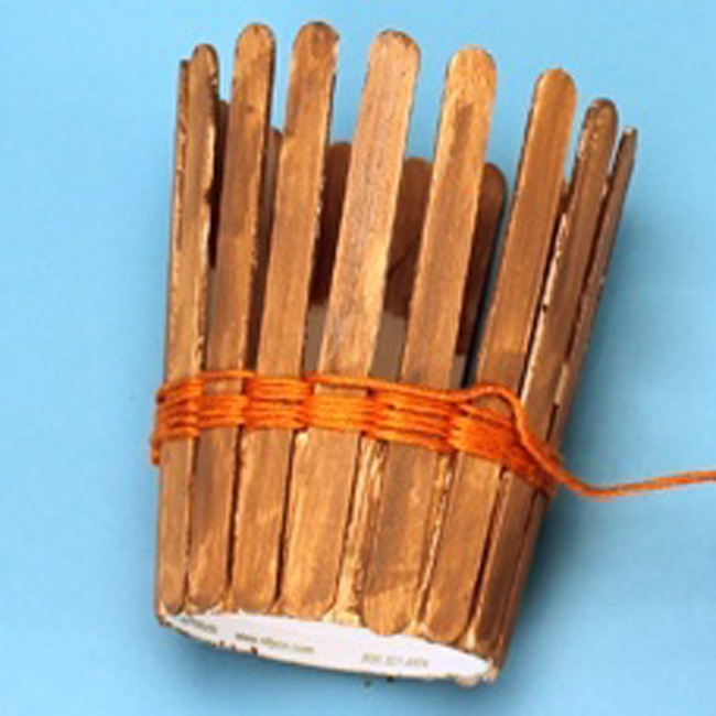 Подставка для ручек и карандашей своими руками из дисков