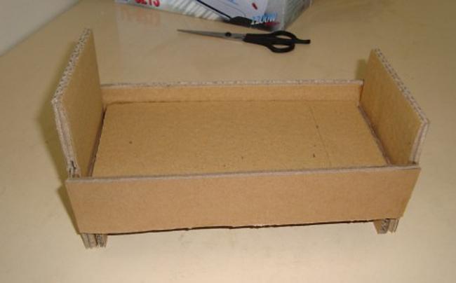 Как сделать кровать из коробки