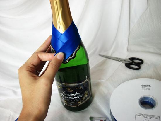 Как сделать бутылку с шампанским красивой