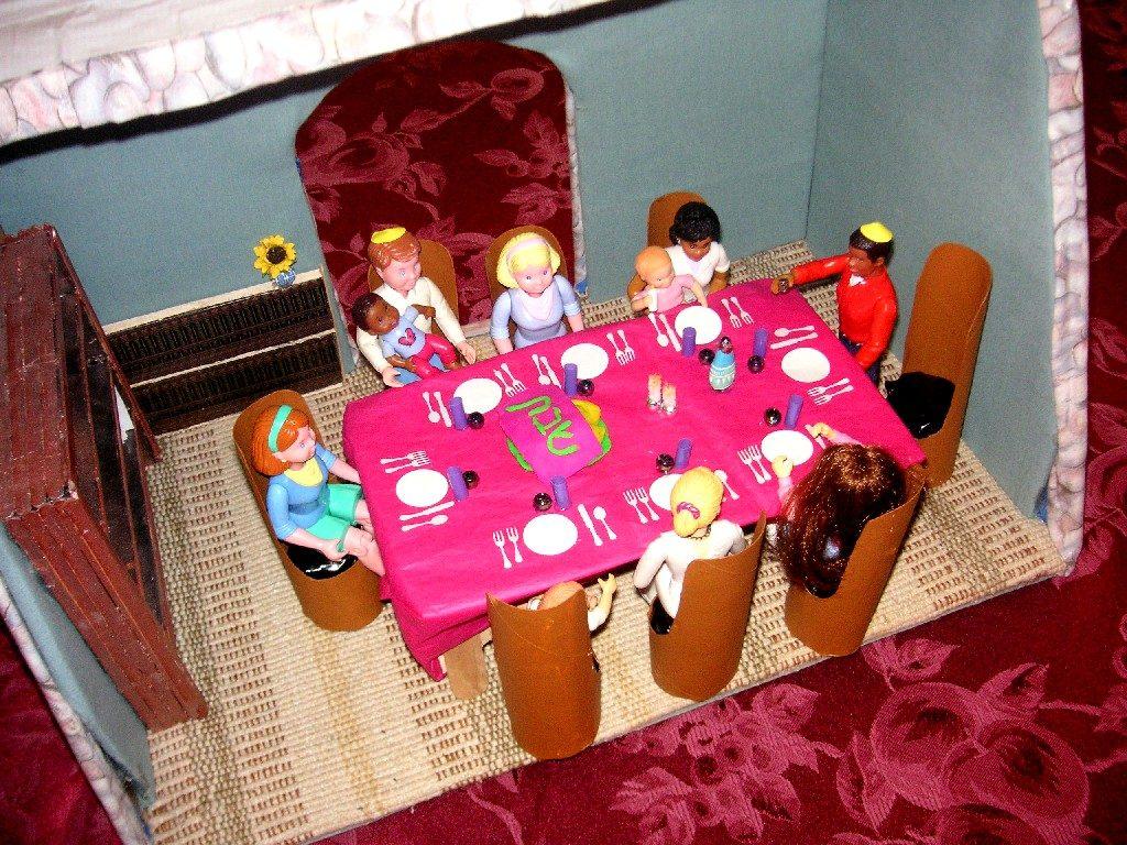 Мебель для кукол своими руками из подручных материалов 94