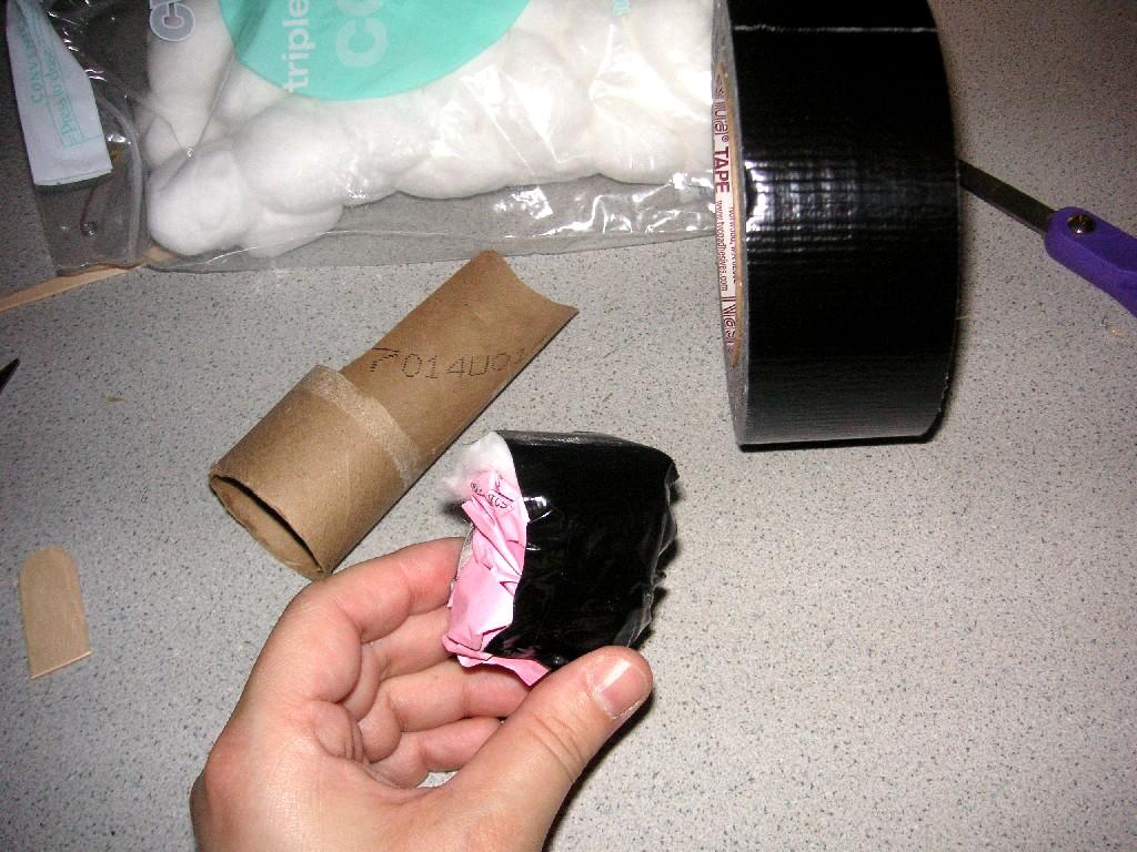 Как из туалетной бумаги сделать куклу 306