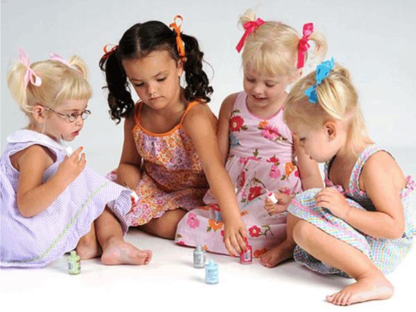Маникюр для девочек. Как сделать маникюр детям в домашних условиях?
