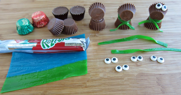 Поделки из конфет. Какие поделки из конфет сделать к Новому году?