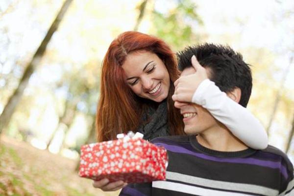 Что подарить парню на День Рождения? Подарок парню на День Рождения, каким он должен быть?