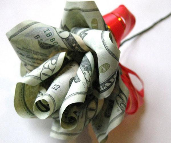 Оригинальные подарки своими руками из денег на свадьбу