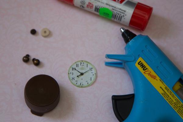 Как сделать будильник для кукол своими руками
