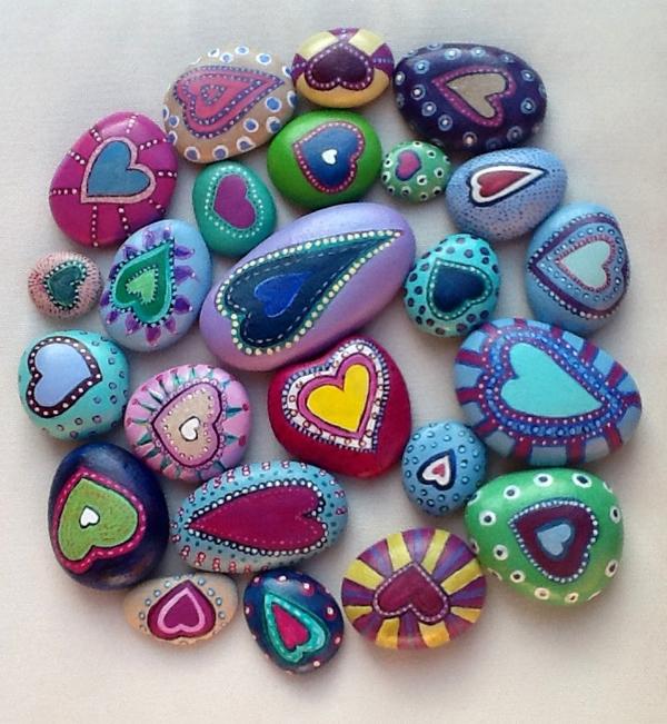 Игра камней: расписанные камни для игр
