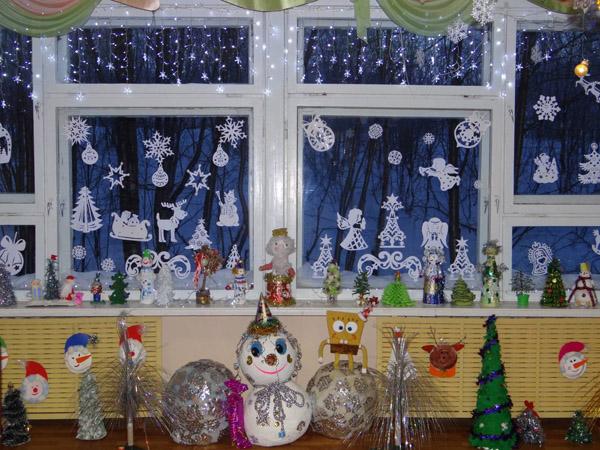 Снеговики своими руками из бумаги на окна