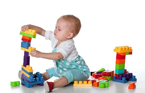 Новогодние подарки 2016. Что подарить ребенку на Новый год?