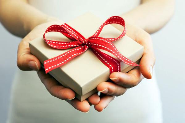 Подарок на День Милиции мужчине. Что подарить милиционеру мужчине?