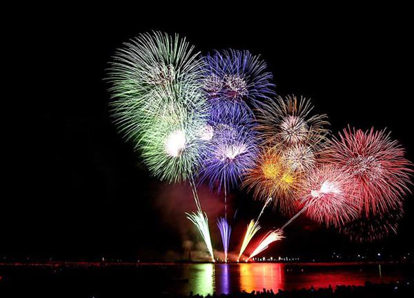 Программа новогодних мероприятий в Минске – 2015/2016. Куда пойти на Новый год в Минске?