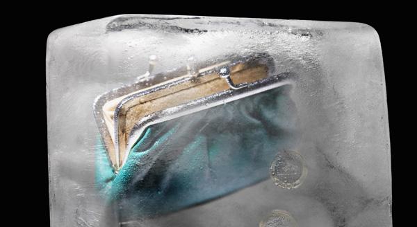 Как подарить деньги: деньги во льду