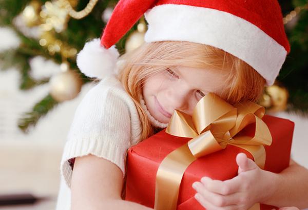 Разные подарки на новый год детям