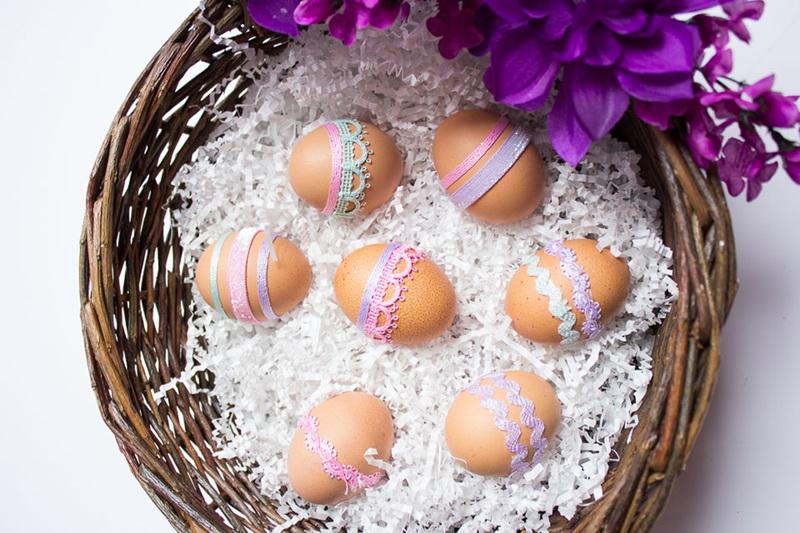 Пасхальные яйца. Пасхальные яйца, украшенные кружевом