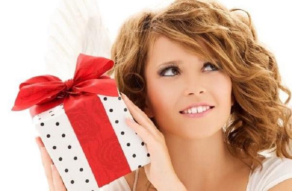 Бесплатные подарки. Что подарить женщине?