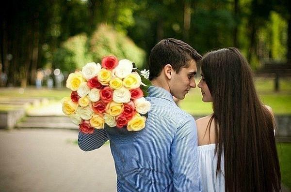 Какие цветы подарить: девушке, жене, маме, бабушке, подруге и теще