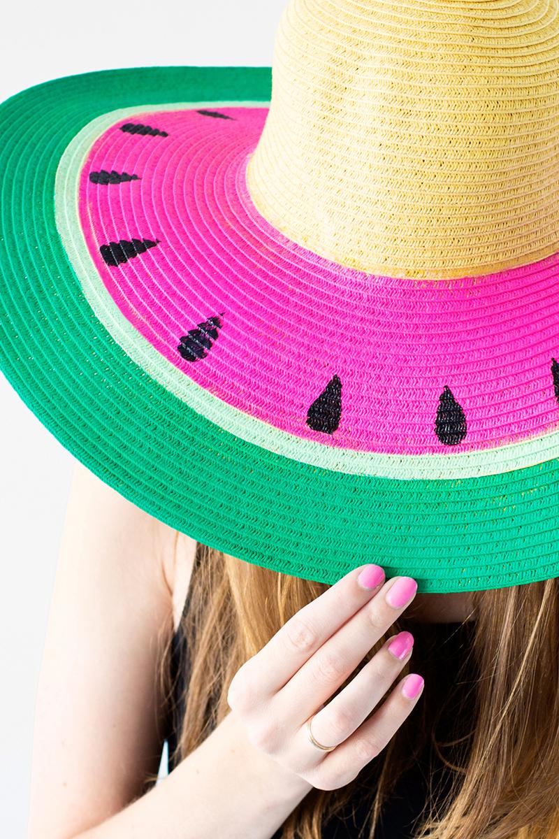 Летние шляпы: летние шляпы с полями своими руками