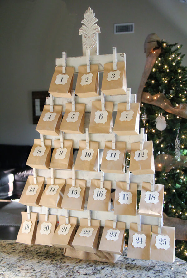 Новогодний календарь с подарками