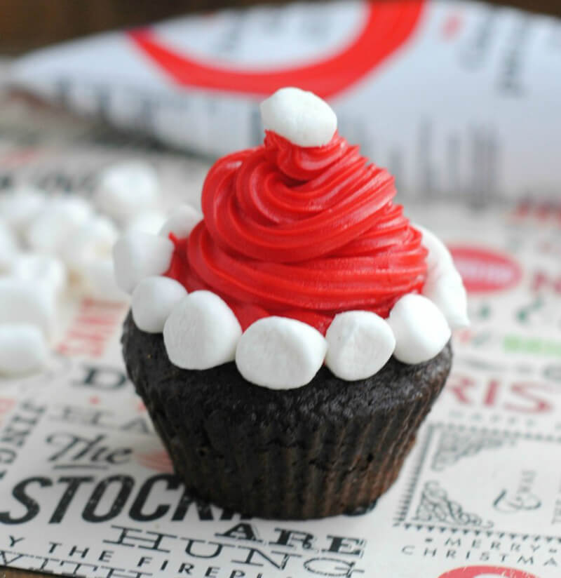 Как украсить кексы к Новому году? Новогодние кексы фото