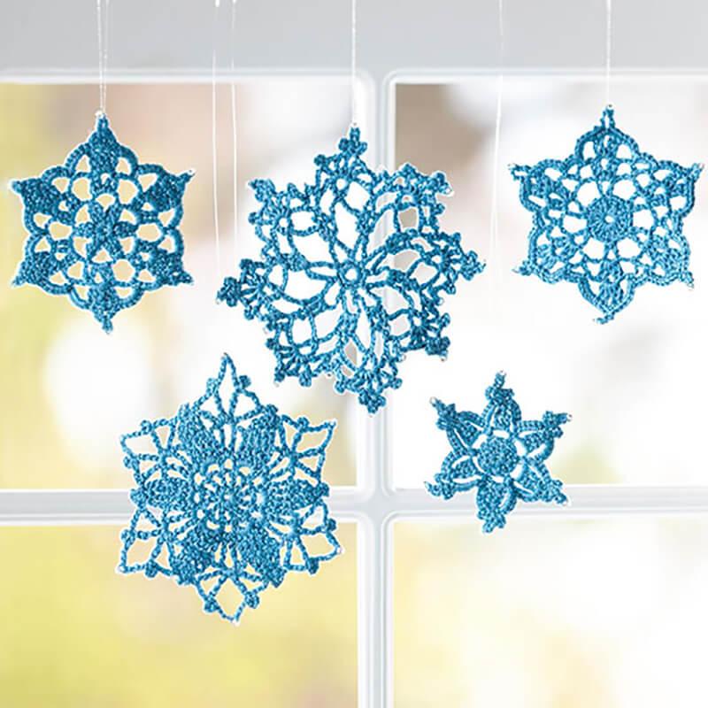 Вязаные снежинки своими руками: схемы, идеи для дома