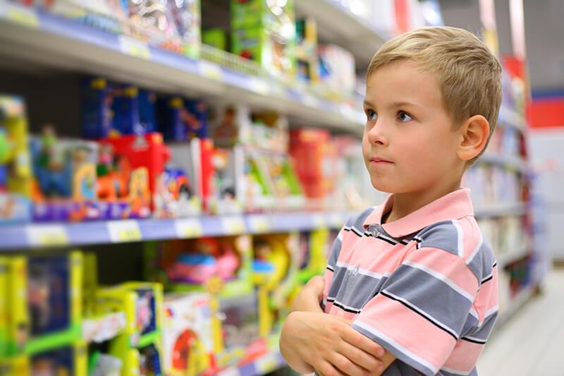 Мальчик истратил на подарок маме 50 своих сбережений 65