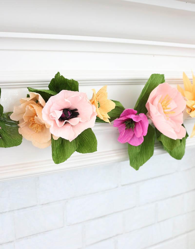 Цветы для гирлянды из гофрированной бумаги своими руками 33
