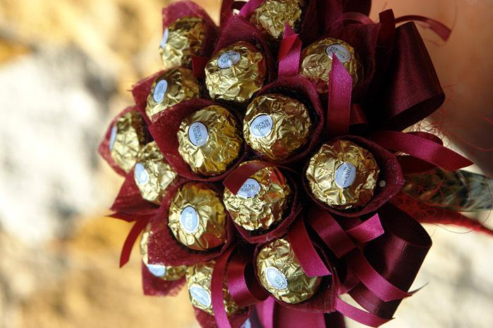 Хобби. Букеты из конфет своими руками.