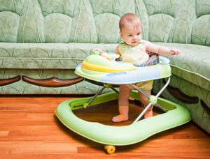 Детские ходунки. Вредны ли ходунки для ребенка?