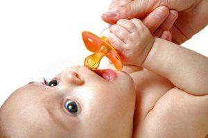 Пустышка. Как отучить ребенка от пустышки?