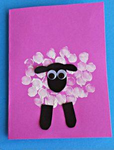 Детские поделки: Открытка с овечкой