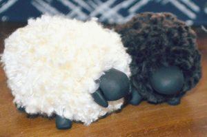 Овечка из ниток своими руками. Как сделать овечку?