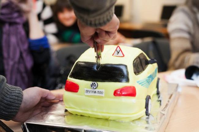 Что подарить инструктору по вождению? Подарки инструктору по вождению