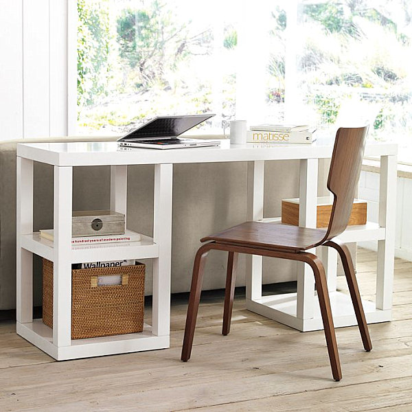 Рабочее место дома: компьютерный стол в интерьере фото