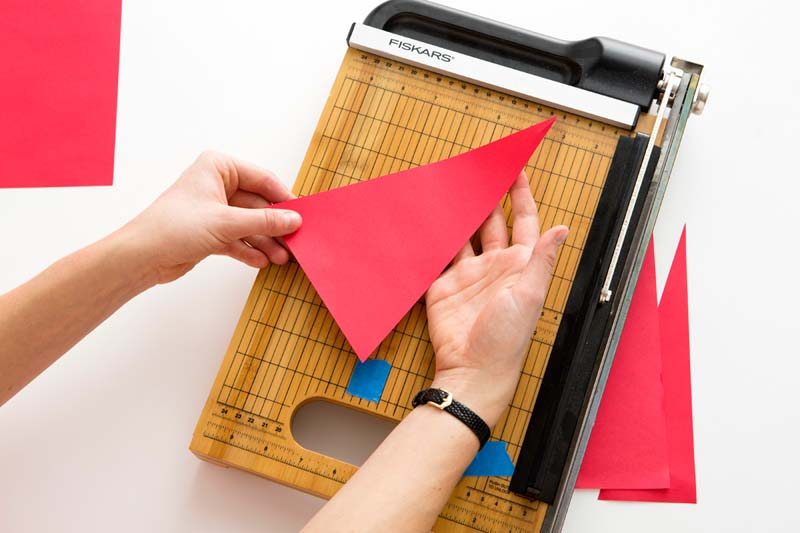 Елка из бумаги. Как сделать новогоднюю елку из бумаги своими руками?