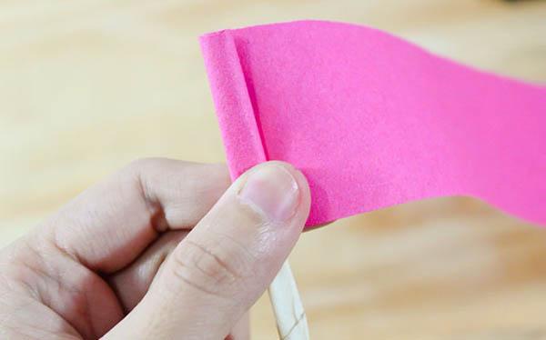 Как сделать из бумаги розу? Розы из гофрированной бумаги, газеты, декоративной бумаги