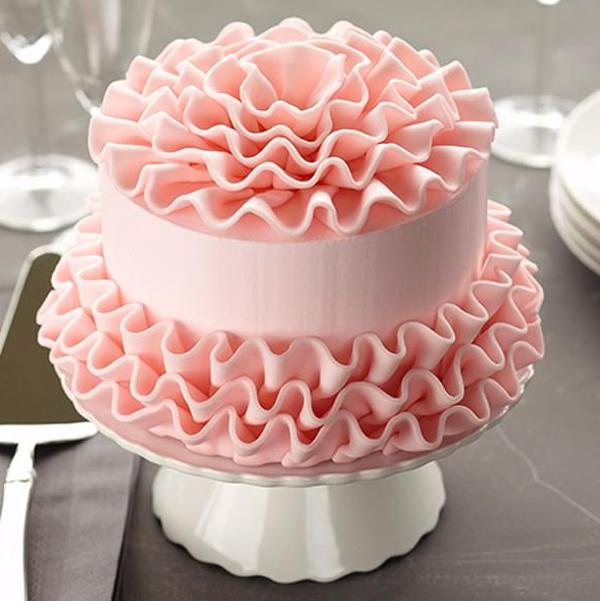 Как украсить торт мастикой: пошаговые инструкции, фото, видео и советы