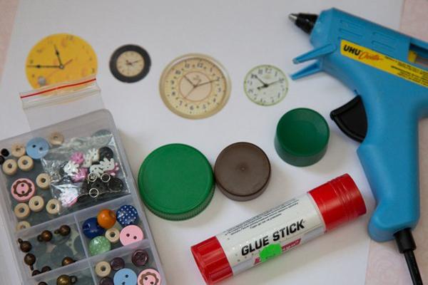 Кукольные часы: Как сделать часы своими руками для куклы?