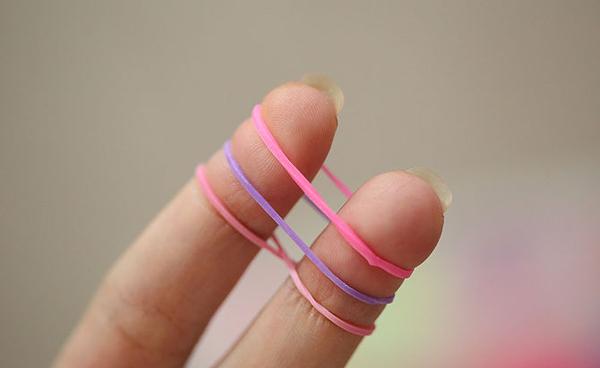 Как сделать браслет из резинок: видео и фото мастер классы