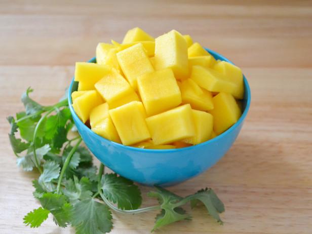 Как почистить гранат, ананас, апельсин, авокадо, арбуз, киви и манго?