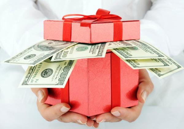 Деньги на День Рождения. Как оригинально подарить деньги на День Рождения?