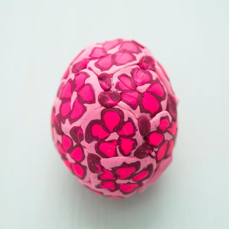 Пасхальные яйца: украшение пасхальных яиц пластилином