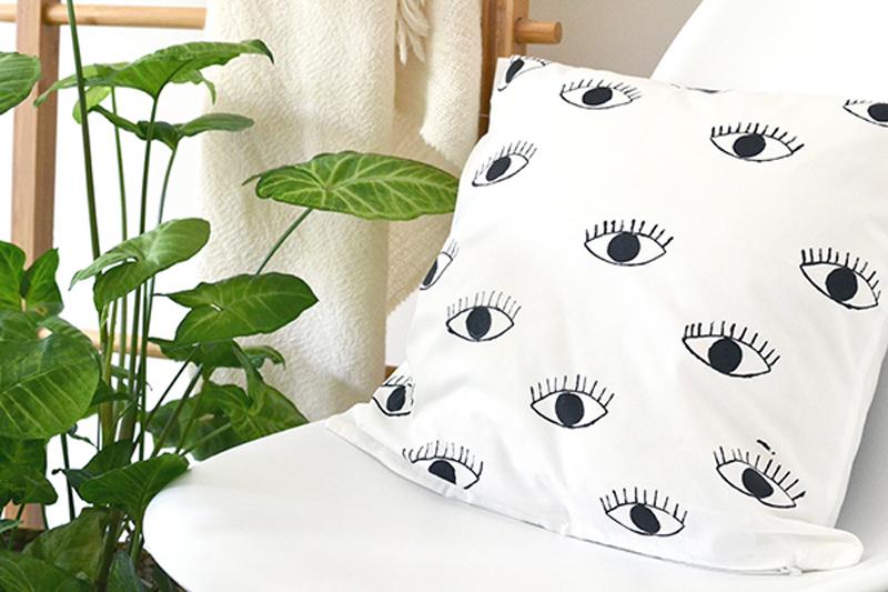 Декоративные подушки своими руками: диванные подушки Глаза