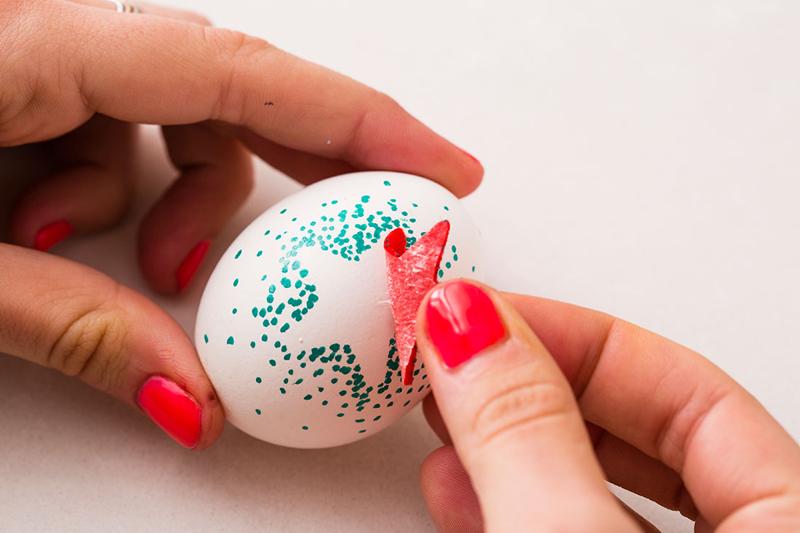 Пасхальные яйца. Как разукрасить яйца фломастером?