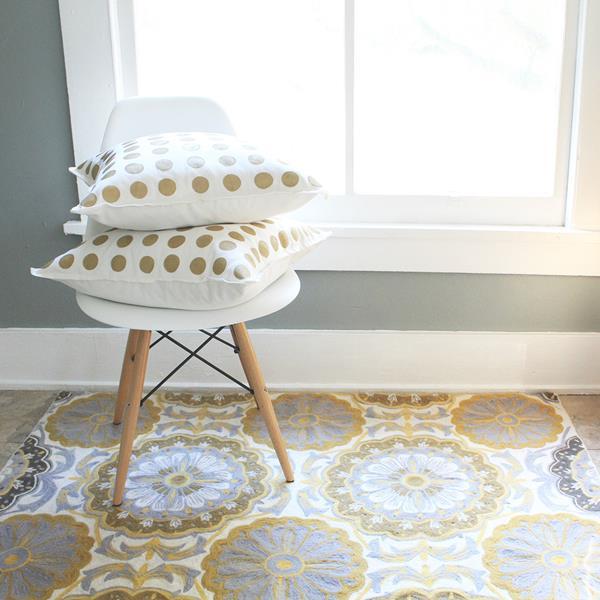 Декоративные подушки своими руками: диванные подушки с трафаретными рисунками