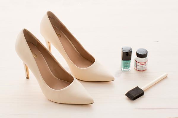 Как украсить туфли. Как украсить туфли своими руками?